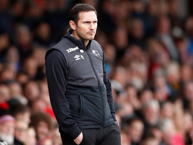 Derby County manager Frank Lampard watches on on January 26, 2019