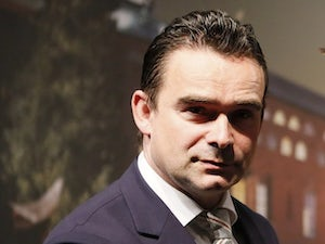 Arsenal to wait until summer for Overmars?