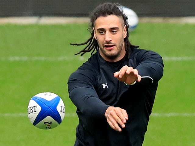 Wales will not be intimidated by French pack, insists flanker Navidi
