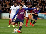 Philippe Coutinho scores from the spot for Barcelona in their Copa del Rey tie with Sevilla on January 30, 2019