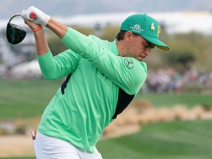 Fowler extends lead ahead of closing stage in Phoenix