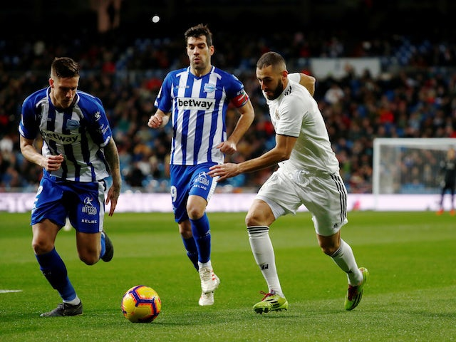 Real Madrid forward Karim Benzema in action during the La Liga clash with Alaves on February 3, 2019