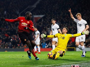 Berbatov tells Lukaku to stay at Manchester United