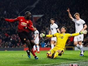 Berbatov tells Lukaku to stay at Manchester United