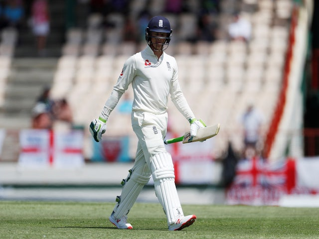 England struggle as top order fails to fire again
