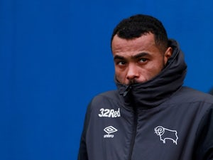 Ashley Cole announces retirement