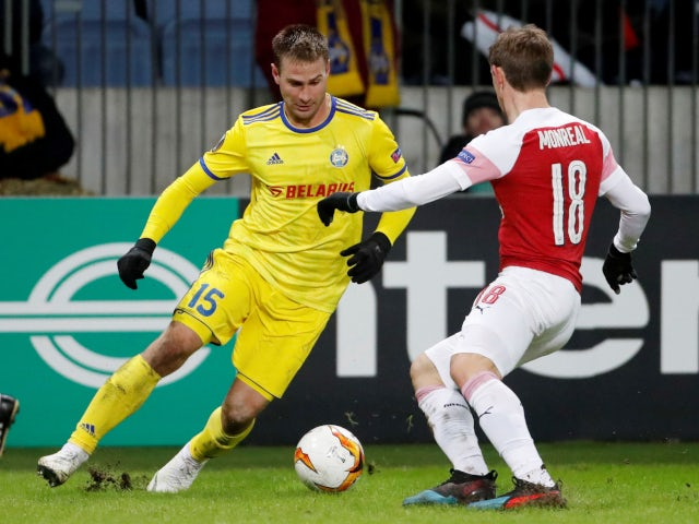Maksim Skavysh and Nacho Monreal compete for the ball as Arsenal face BATE Borisov in the Europa League on February 14, 2019.
