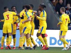 Crystal Palace ease through to FA Cup quarter-finals