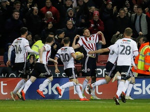 Richard Stearman guides Sheffield United past Middlesbrough
