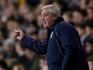 Steve Bruce takes charge of first Newcastle session