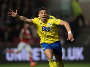 Southampton 'submit £14m bid for Che Adams'