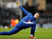 Kepa Arrizabalaga warms up prior to Chelsea's game at Fulham on March 3, 2019