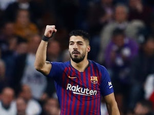 Barcelona suffer Luis Suarez injury scare