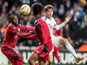 Spurs, West Ham 'eye Robert Skov move'