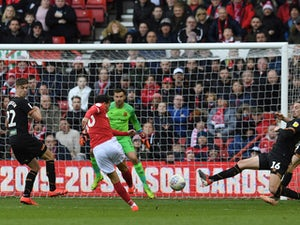 Forest boost play-off hopes with convincing victory over Hull