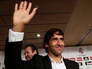 Madrid consider Raul as Zidane replacement?