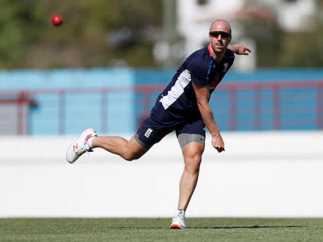 Jack Leach available for Somerset's potential championship decider