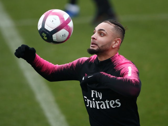 Arsenal 'offer Layvin Kurzawa a contract'