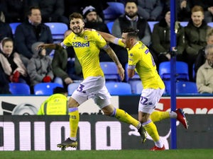 Leeds back on top after comfortable win at Reading