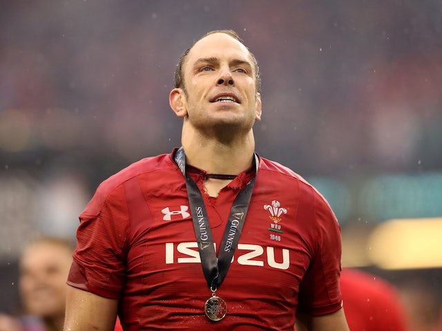 Alun Wyn Jones agrees new two-year contract to extend Wales career
