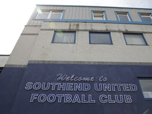 Southend keeper Nathan Bishop close to Man Utd move