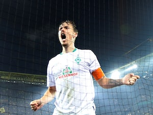 Liverpool 'talking to free agent Max Kruse'