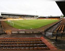 Port Vale sign former Bradford striker Kurtis Guthrie