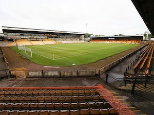 Port Vale sign former Bradford striker Kurtis Guthrie