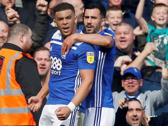 Report: Premier League trio after Che Adams