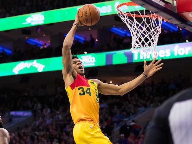 Result: Bucks clinch top seed with victory over 76ers