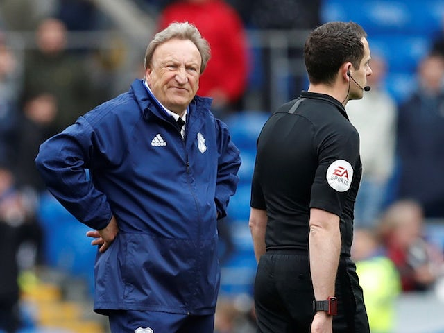 Warnock to contest FA charges over referee comments