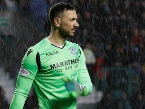 Hibernian hold Motherwell to goalless draw