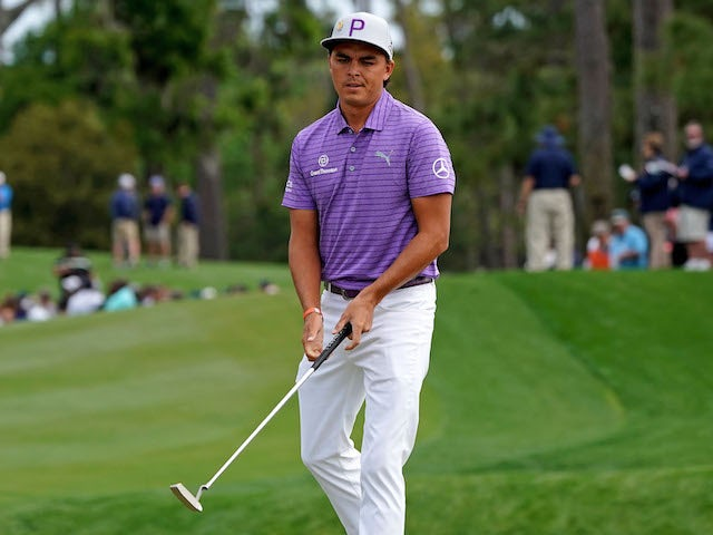 Rickie Fowler cards 65 at a sun-drenched Royal St George's