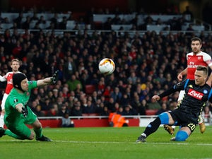 Napoli's Piotr Zielinski fails to find a way past Arsenal goalkeeper Petr Cech on April 11, 2019