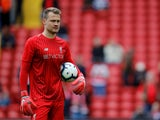Simon Mignolet warms up for Liverpool on September 22, 2018