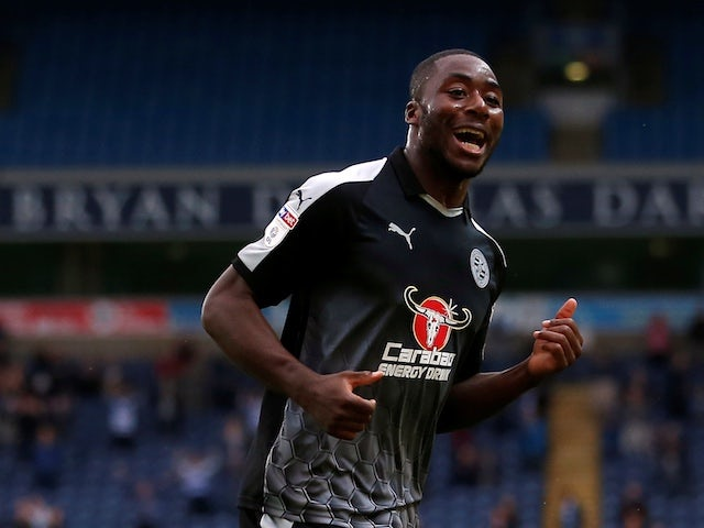 Reading support Yakou Meite after racist abuse online