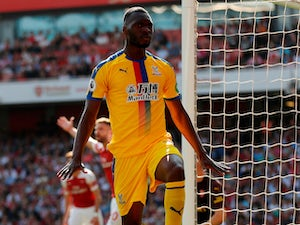 Hodgson: 'Benteke needs encouragement'