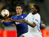 Dynamo Kiev's Dieumerci Mbokani in action with Lazio's Luiz Felipe in March 2018