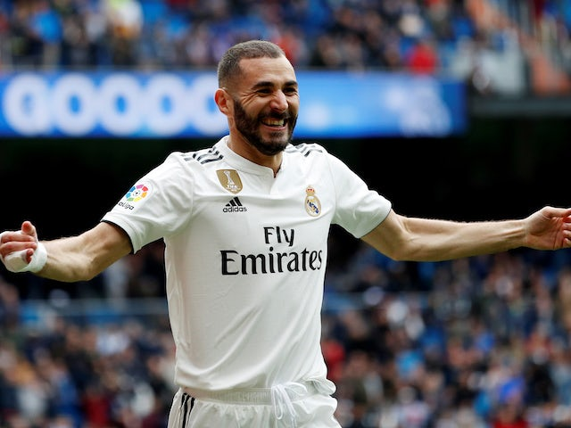 Benzema 'signs new Real Madrid contract'