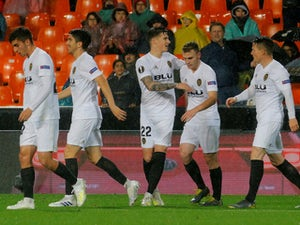 Valencia brush aside Villarreal to set up Arsenal semi