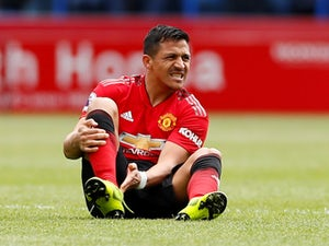 Alexis Sanchez 'to return early in order to prove fitness'