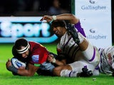 Harlequins' Semi Kunatani scores their second try against Leicester Tigers on May 3, 2019