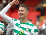 Mikael Lustig celebrates Celtic's title win on May 4, 2019