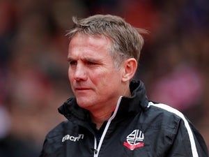 Phil Parkinson warns Sunderland to forget their recent Premier League past