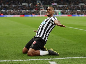 Salomon Rondon hints Newcastle future could depend on Rafael Benitez stay