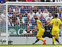 Chelsea's Gonzalo Higuain misses a chance to score against Leicester on May 12, 2019