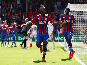 Palace boss Hodgson keen to keep star trio