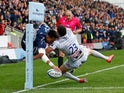 Sale Sharks Denny Solomona scores his side's seventh try against Gloucester on May 18, 2019