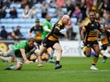 Wasps' Joe Simpson on his way to scoring his second try against Harlequins on May 18, 2019