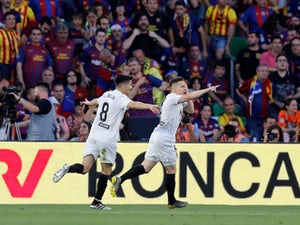 Valencia beat Barcelona to land Copa del Rey title